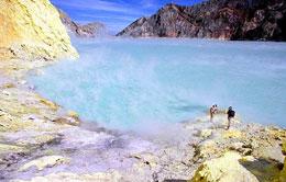 Ijen Crater - Sulfuric Acid