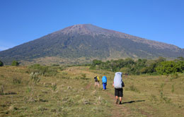 Trek Down Via Sembalun
