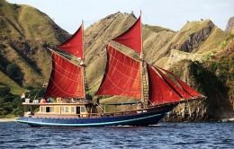 Komodo Trip By Sailing Wooden Boat